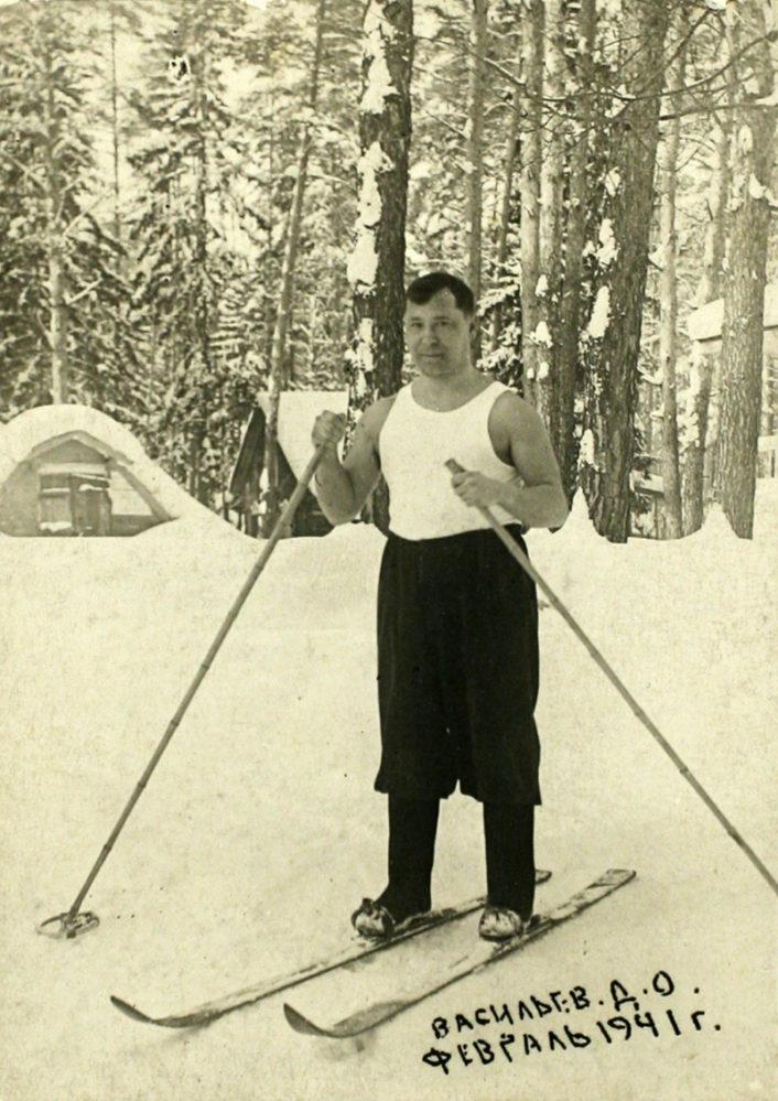 Предвоенная фотография Мусы Джалиля в Доме отдыха «Васильево». 1941